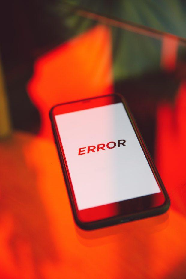 black-smartphone-displaying-error-3747139